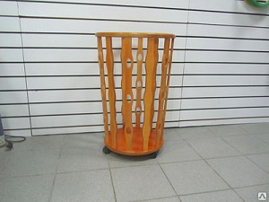 The round basket on wheels